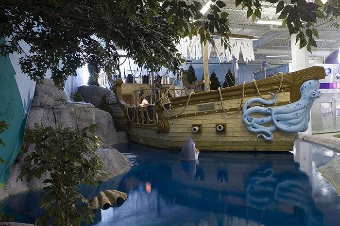 Офис в в виде пиратского корабля